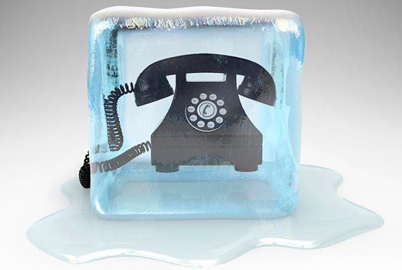 телефон-в-куске-льда